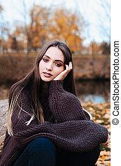 femme, beau, portrait, mélancolique, parc, jeune, automne