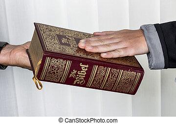 femme, bible, swears