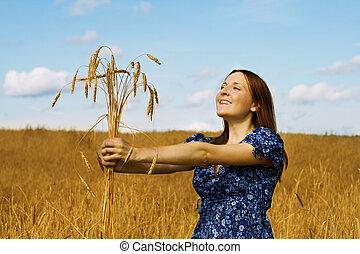 femme, blé, tenue, paquet, oreilles