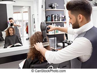 femme, bouclé, hairdress, backview, client., hairstyler, ...