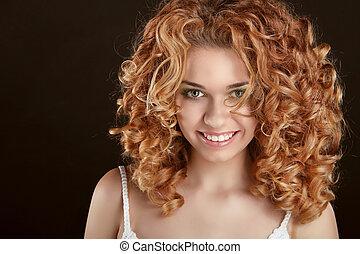 femme, bouclé, sain, noir, séduisant, fond, hair., portrait, sourire