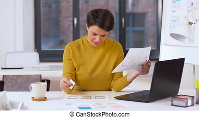 femme, bureau, fonctionnement, créatif, interface utilisateur