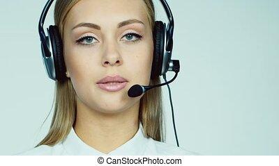 femme, centre, -, appeler, séduisant, opérateur