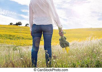 femme, champ jaune