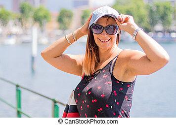 femme, chapeau, lac, portrait, sourire