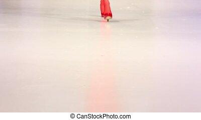 femme, chaussures, surface, promenade, podium, rouges, bas