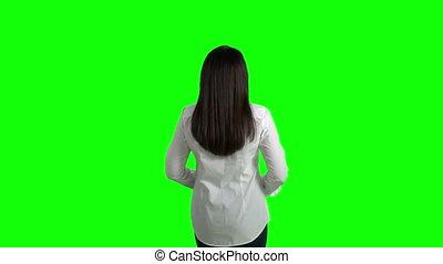 femme, chemise, business, écran, étirage, contre, lui-même, blanc vert, vue postérieure