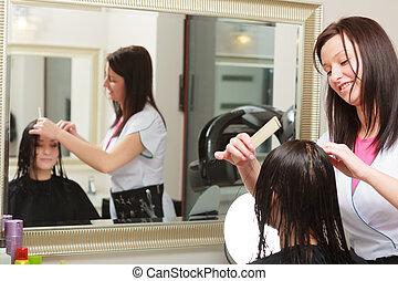 femme, cheveux, salon beauté, client