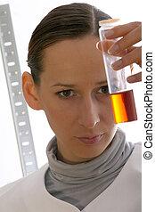femme, chimiste