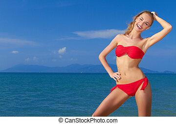 femme, ciel bleu, mer, sourire, beau