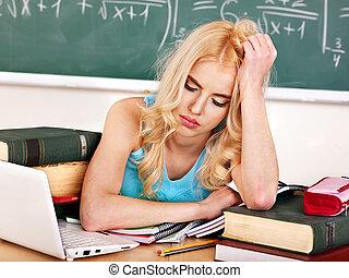 femme, classroom.