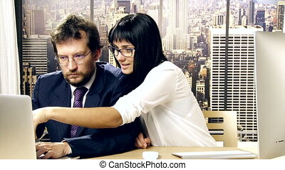 femme, collègue, harrassing, sexuellement