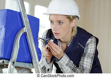 femme, constructeur, fonctionnement, électronique