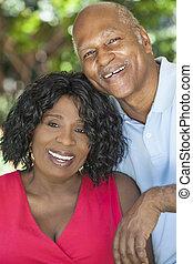 femme, &, couple, américain, africaine, homme aîné
