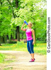 femme, coureur, eau potable, sur, formation