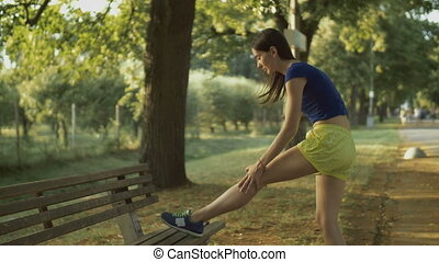 femme, course, coureur, étirage, fitness, jambes, avant