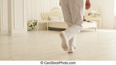 femme, course, elle, couple, lit, saut, étreinte, chambre à coucher, maison, homme