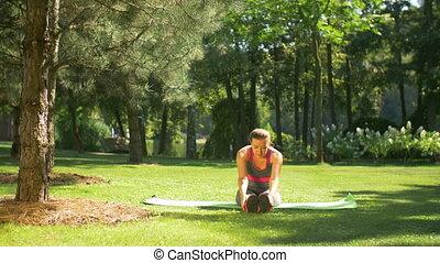 femme, crise, étirage, pilates, dehors, exercices