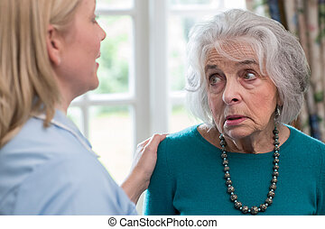 femme, déprimé, ouvrier, conversation, maison, soin senior