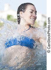 femme, dans, a, bleu, maillot bain