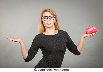 femme, dans, lunettes, être, confondu, tenue, cerveau