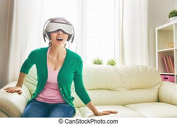 femme, dans, réalité virtuelle, glasses.