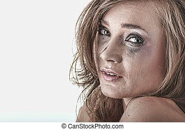 femme, dans, sous-vêtements, pleurer, -, violence, concept