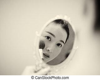 femme, demande, soi, maquillage, jeune regarder, quoique, asiatique, miroir