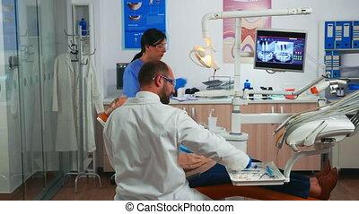 femme, dentaire, personnes agées, examen, monde médical, pendant