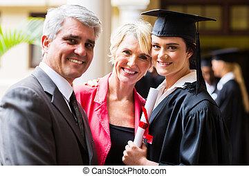 femme, diplômé collège, à, parents