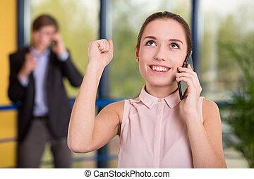 femme, directeur, applaudissement