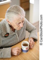femme, dof., tasse, thé, peu profond, personne agee, home.