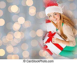 femme, dons, santa chapeau, noël, heureux