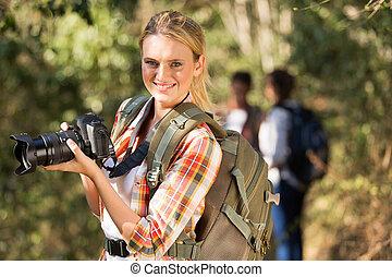 femme, dslr, jeune, appareil photo, tenue, dehors