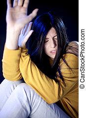 femme, effrayé, sur, violence conjugale, beau