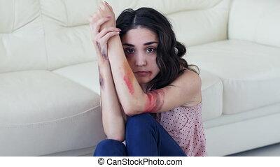 femme, effrayé, violence, conjugal, attaquer, maison, concept., homme