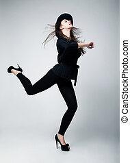 femme, elation., acheteur, noir, hat., actif, projectile studio