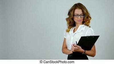 femme, elle, business, métrage, jeune, gai, papier, noir, stand-up, support, hands.