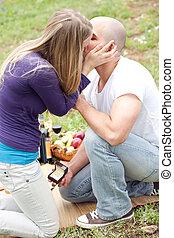 femme, elle, cadeau, baisers, précieux, petit ami, heureux