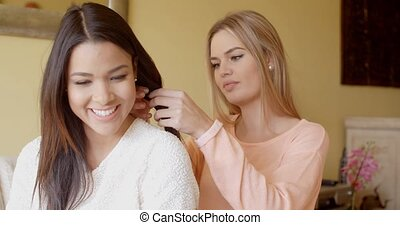 femme, elle, cheveux réparation, joli, ami