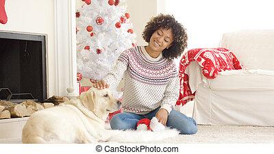 femme, elle, chien, jeune, joli, caresser