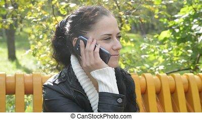 femme, elle, conversation, mobile, jeune, téléphone