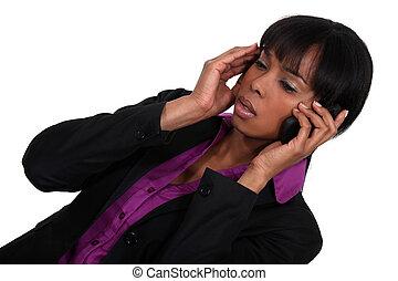 femme, elle, conversation, téléphone portable, sérieux