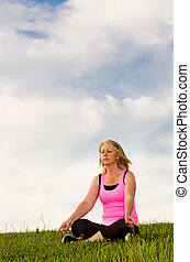 femme, elle, deux âges, méditer, 40s, dehors, exercice