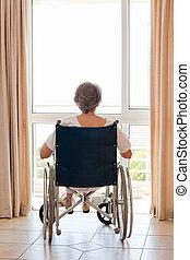 femme, elle, fauteuil roulant, dos, appareil photo, mûrir