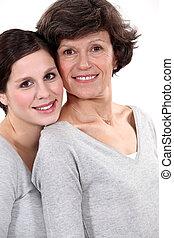 femme, elle, mère