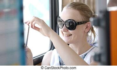 femme, elle, mobile, images, prendre, autobus