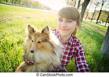 femme, elle, prendre, jeune, chien, selfie