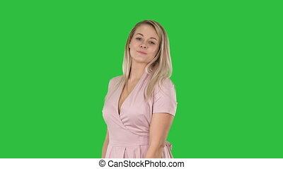 femme, elle, projection, chroma, écran, appareil photo, vert, key., jolie robe