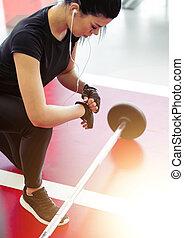 femme, elle, séance entraînement, barre disques, haltérophilie, préparer, petit